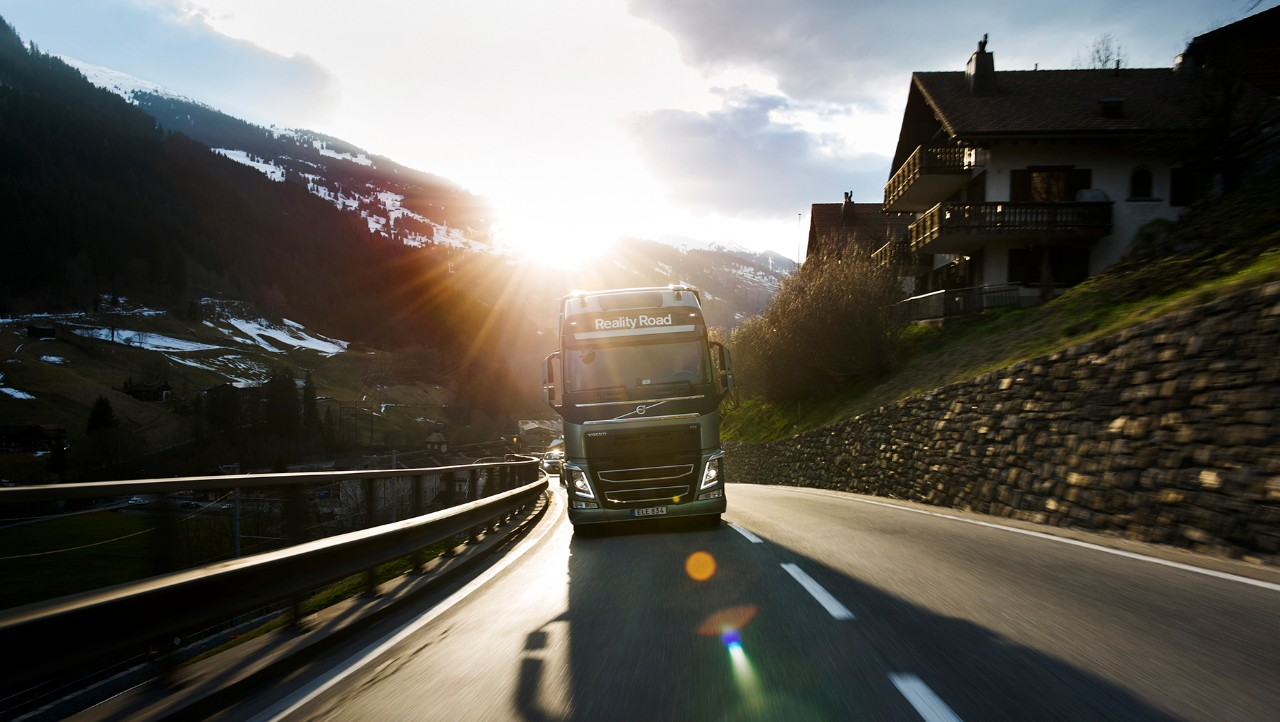Volvo FH drivin into the sunset